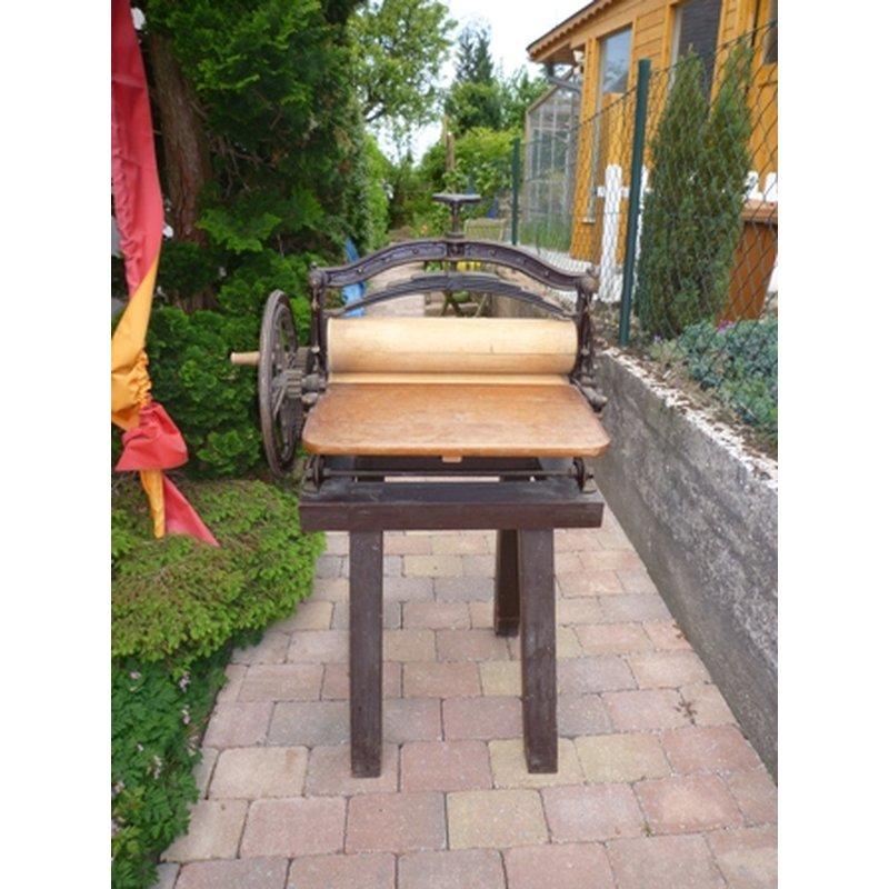 alte gebrauchte mangel w schemangel antik h usla. Black Bedroom Furniture Sets. Home Design Ideas